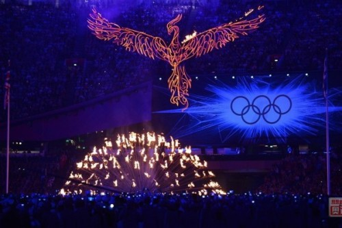 Such a cool and dramatic way to extinguish the olympic torch