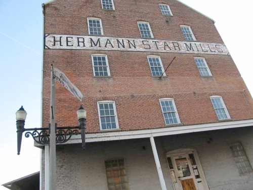 Driving tour of Hermann, Missouri- such a cute town!